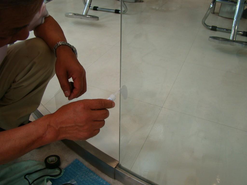 ガラス 傷 修復 消し 補修 研磨 磨き 交換 リペア 穴埋め