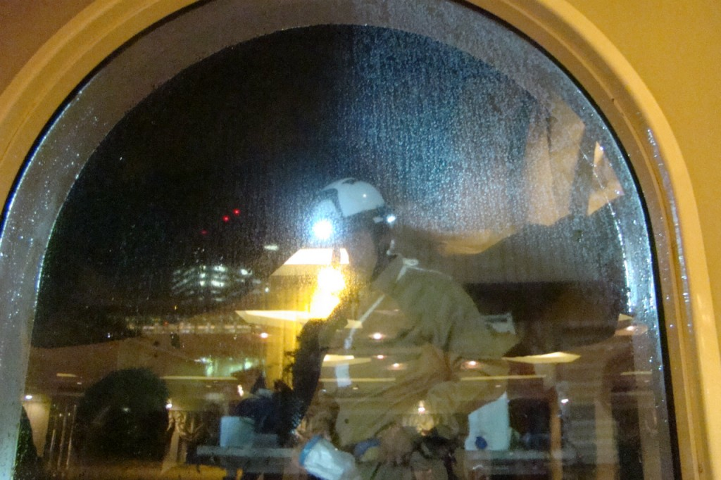 ガラス 飛散防止フィルム 地震 窓シート00施工前1